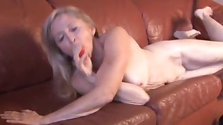 Busty hairy lady opens her sweat hole